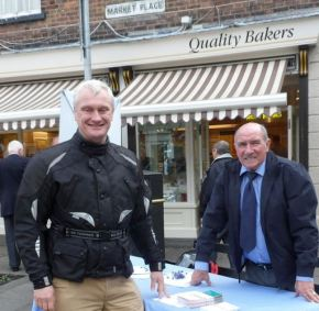 Petitioning Politicians – MP's Street Surgery in Hedon