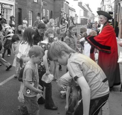 Hedon Penny Throwing from 2010 - 663rd Mayor Cllr Brenda Goldspink