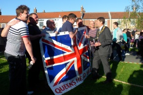 Jubilee Tug of War: Queen's – the Tugging Champs!