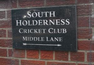 Cricket club sign Middle Lane