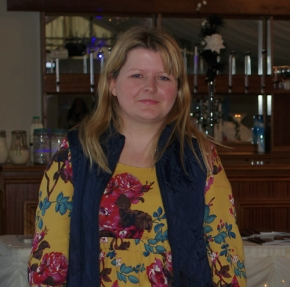 The Spotlight today falls on Lucy Beal Cakery, wedding cake specialist.