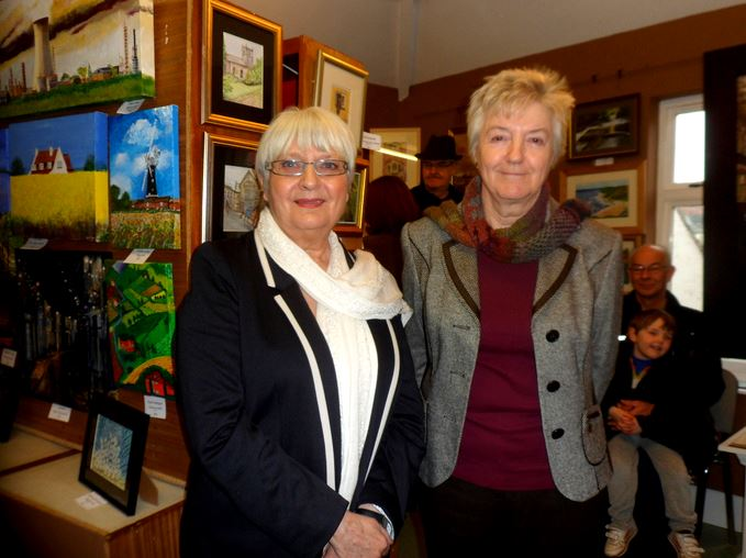 Diane Rotherforth and Shirley Goodsell
