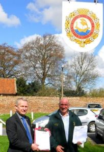 Councillors  John Dennis and Mike Bryan petitioning against Hull's 'Urban Sprawl' in April 2013