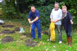 Hedon Town Council's Des Suddaby, Cllr Jim and Sue Lindop