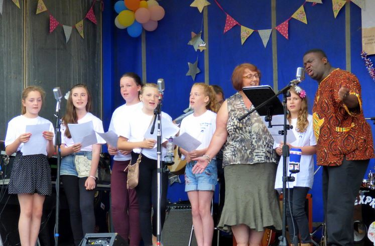 Hedon Methodist Youth Club Members and Rev Penn-Timity
