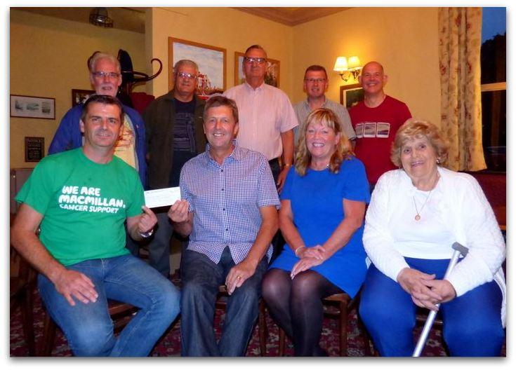 Macmillan Richard Spenceley receives cheque from Jim and Sue Lindop and Cllr Ann Suggit
