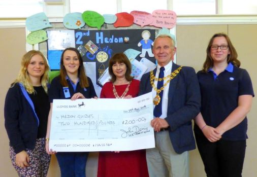 Guides Mayor Cheque Presentation
