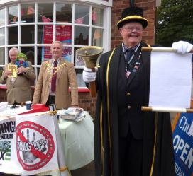 """In September the Mayor sent a strong """"Hands off!"""" message to Hull"""