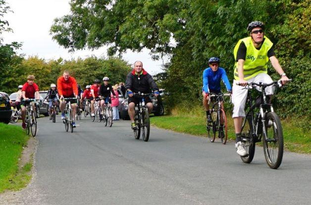 Cyclists set off
