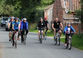 Cyclists head back towards Hedon - Photo Rachel Cliffe