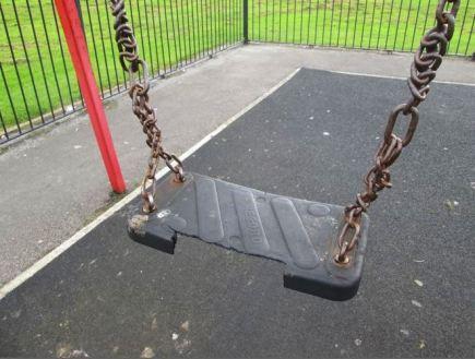 Swing seat damage