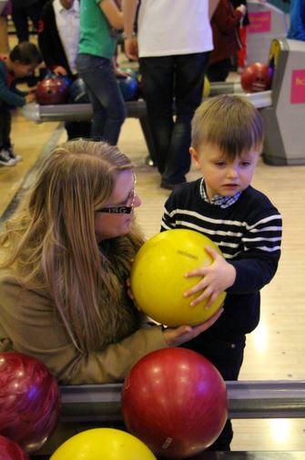 Ellis bowling