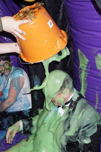 Mark gunge bucket