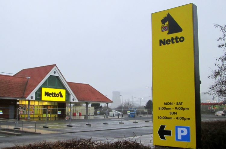 Netto showing signs