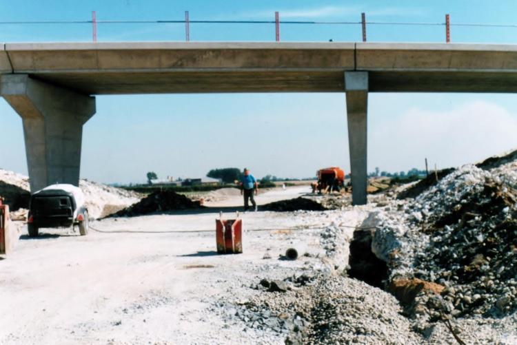 02 Building Paull Road Bridge