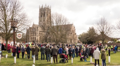 Passion Play crowds