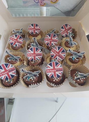 Sophia waugh aged 4 cupcakes